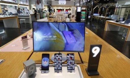 Samsung lancia il suo schermo infrangibile