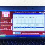 Un laptop infettato da molteplici Malware diventa un'opera d'arte